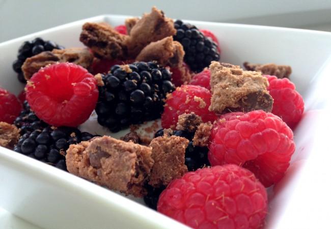 Fruitjes met kwark (en een stiekem koekje)