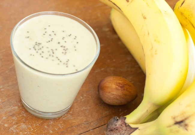 Smoothie maken met banaan en avocado