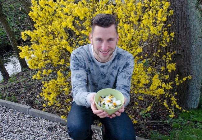 Salade met ei en asperges