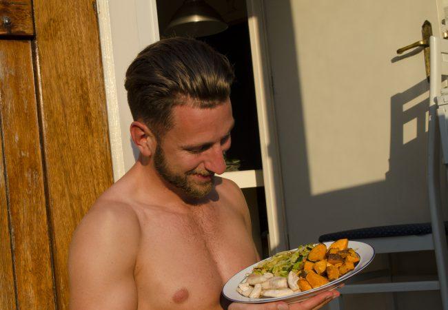 Eten, drinken en zon; hoe overleef je een warme dag